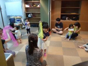 品川区 ドレミのおへや リトミック お餅つき 2歳クラス