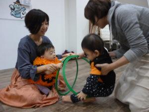 1歳クラス お友だちとこんにちは!大田区 池上 ハロウィンリトミック