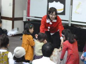 クリスマスリトミック 0歳からの親子コンサート 大田区 嶺町特別出張所にて